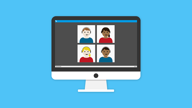 Animerad bild, datorskärm med fyra personer i ett webbmöte